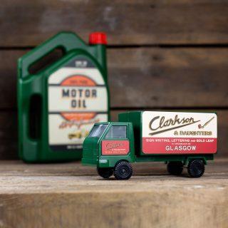 products-751291-kikkerland_truck_toolkit-1